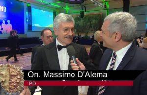 In occasione dell' Oscar del Vino 2014, Vinitalia.tv intervista l' Onorevole Massimo D'Alema che ci illustra l' importanza del vino, per il nostro paese, sia a livello economico che a livello culturale.